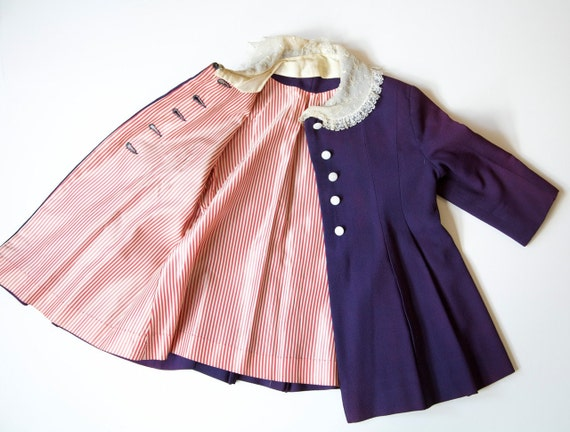Vintage 1930's Girls Coat Silk  Fancy Buttondown Toddler Overcoat .  Lace Collar .  size 2 - 3