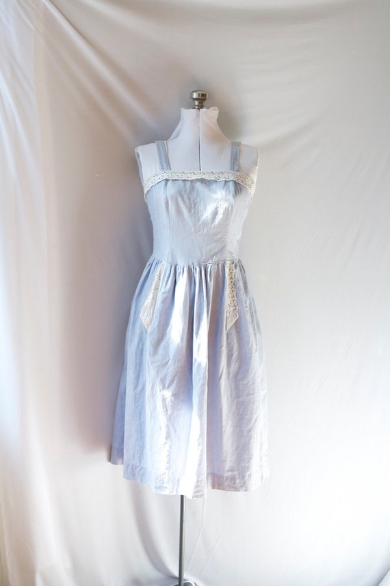 Vintage Summer Dress . Light Blue Cotton . Eyelet Trim . Sweet Button Back .