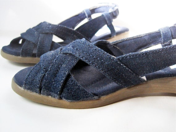 Size 7 1/2 .  Denim Mini Wedge. vntg 80's  Classique Sport / Sling Back Comfort