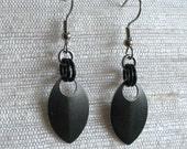 Single Leaf Chainmaille Earrings in Black