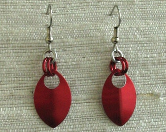 Single Leaf Chainmaille Earrings in Red