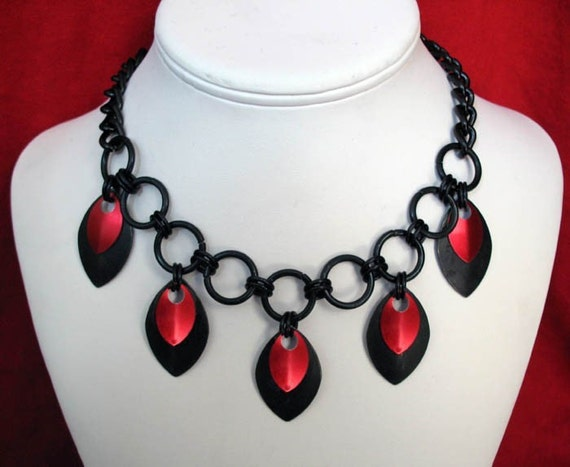 Goth Queen Chainmaille Necklace