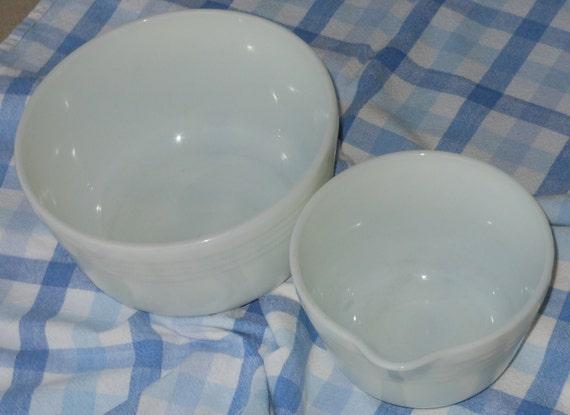 Vintage collectible milk glass pyrex hamilton beach mixing for Hamilton beach pioneer woman slow cooker