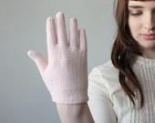 1950's blush knit gloves