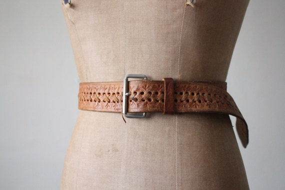 vintage 1960's tooled leather belt