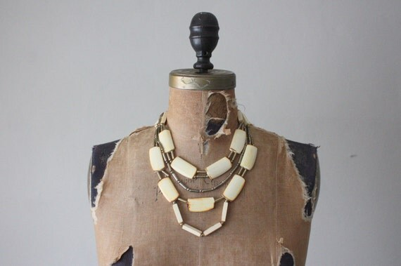 tribal necklace - vintage 1970's faux ivory tribal necklace