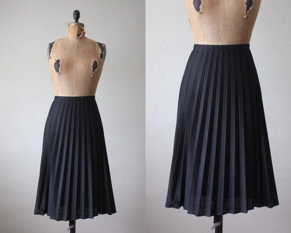 1970's black accordion pleated skirt