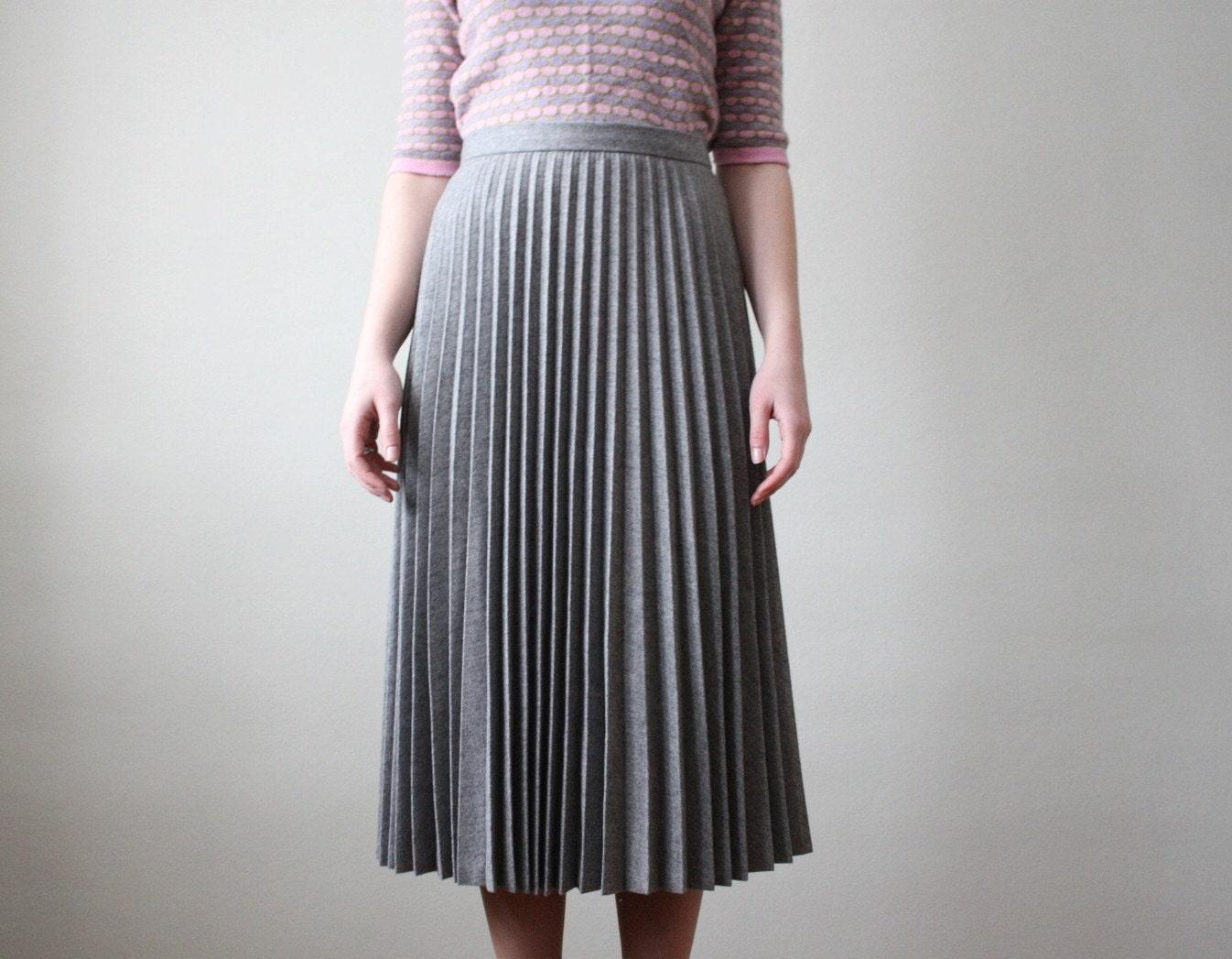 1970 s slate gray accordion pleated skirt