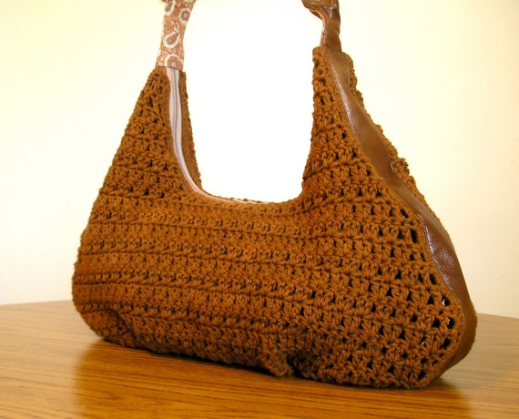 Crocheted hobo with offset O ring, wide bottom in cinnamon