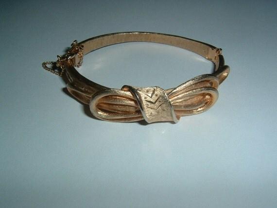 Reserved for NG Ribbon Bow Bracelet Elegant Diamond Cut Gold Tone