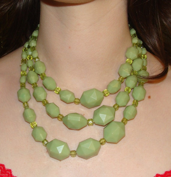 Vintage Chunky Green Bead Necklace