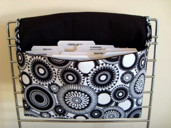 10% OFF -Coupon Organizer /Budget Organizer Holder - Hang'em Up - Attaches to Your Shopping Cart - Black and White Medallion