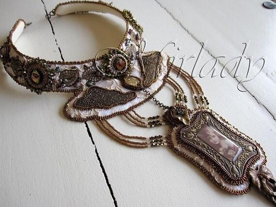 Beautiful Victorian handmade Necklace - Free Shipping Worldwide
