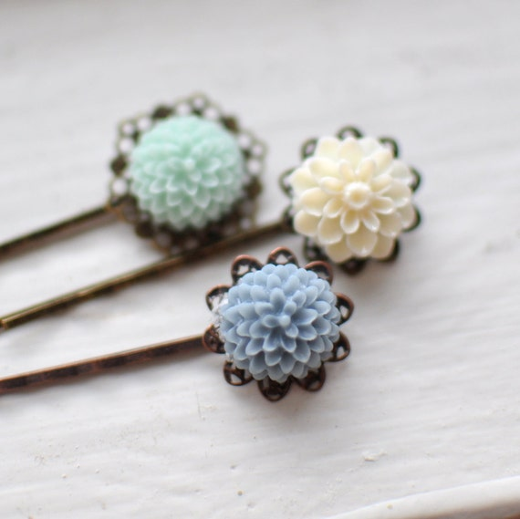 Spring Bridal Bouquet. Floral Bobby Pin Hairpins. Grey Blue Palette