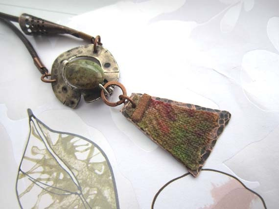 Earthy green pendant - silver agate canvas copper