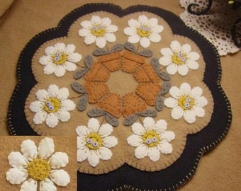 Delightful Daisies Penny Rug Candle Mat MAILED PAPER PATTERN