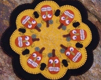 Pumpkins and Spiders Halloween Penny Rug Candle Mat DIGITAL PATTERN