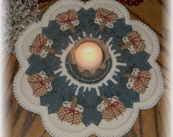 Snow Babies~snowman penny rug/candle mat with ornies DIGITAL PATTERN