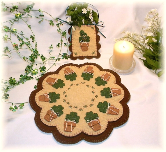 Irish Blooms St. Patrick's Day penny rug/candle mat MAILED PAPER PATTERN