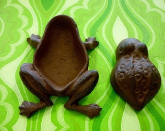 Hand Painted Cast Iron Frog Key Safe