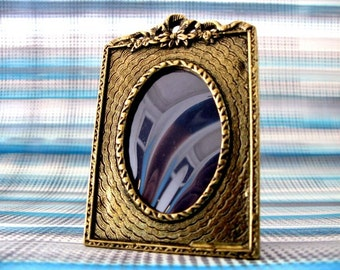 Cute Brass Photo Frame with a bow