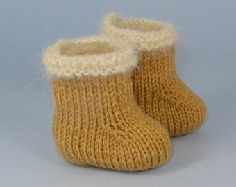 Digital pdf file Knitting Pattern -Baby Simple Fur Trim Booties (Boots) knitting pattern- MADMONKEYKNITS