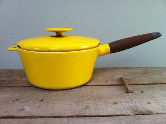"9"" Vintage Copco Michael Design Denmark Enameled Cast Iron Sauce Pan With Lid and Wood Handle"