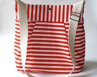 BEST SELLER Diaper bag/Messenger bag STOCKHOLM Red and white nautical striped - Martha Stewart , Baby talk magazine