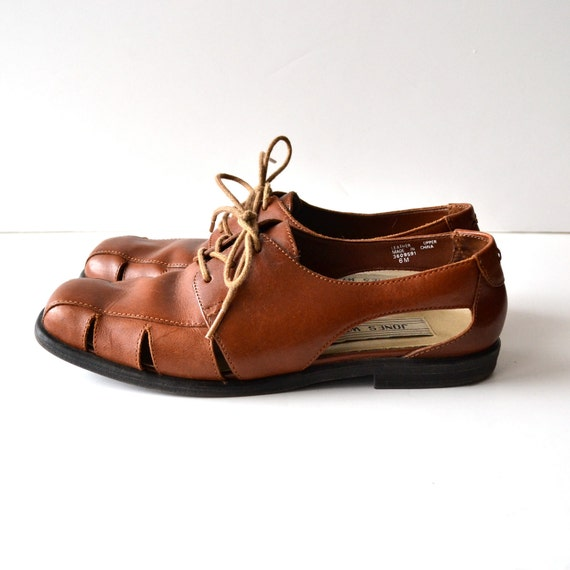 RESERVED  90s Lace Up Flats with Side Cut Outs / Brown Leather / size 6