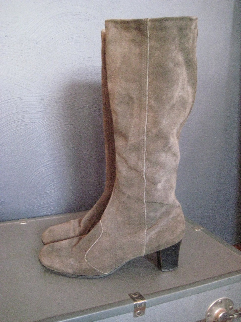 vintage gray suede knee high boots size 8 5