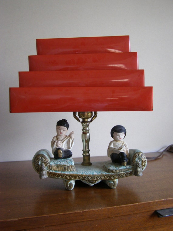 Vintage Asian Boy And Girl Chalkware Lamp With Collapsible Red