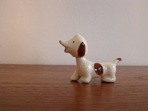 Vintage Tiny Dog Figurine with Moving Head - Nodder - Bobbler - JAPAN