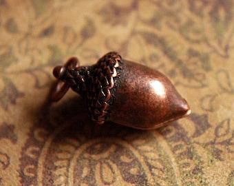 Antique Copper ACORN Charm Pendant-Tree charm, Seed charm, Acorn pendant, Nature Pendant Charm