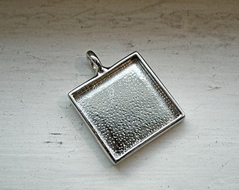 1pc Bright Silver SQUARE Pendant/BEZELS/DIY for Cabochons/Cabs, Photos, Clay and Resins bezels-Square Metal Trays-diy bezels-square bezels