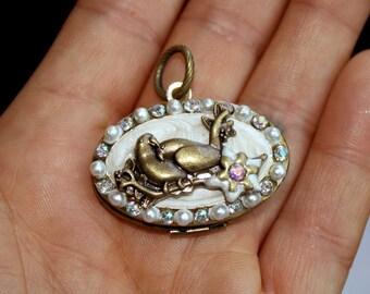 1 pc Antique Brass LOVE BIRDS LOCKET with Pearls and Rhinestones-gold locket-bird locket-bird pendant- brass locket