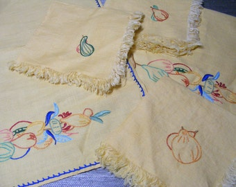 Embroidered Linen Napkin Placemat Set SUNNY YELLOW VEGETABLES Cotton, Linen, Cloth Vintage