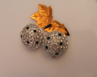 Parve Domed Earring with BLACK Accent Half Inch