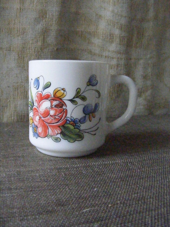 Milk Glass Mug Arcopal France FLORAL Coffee Cup