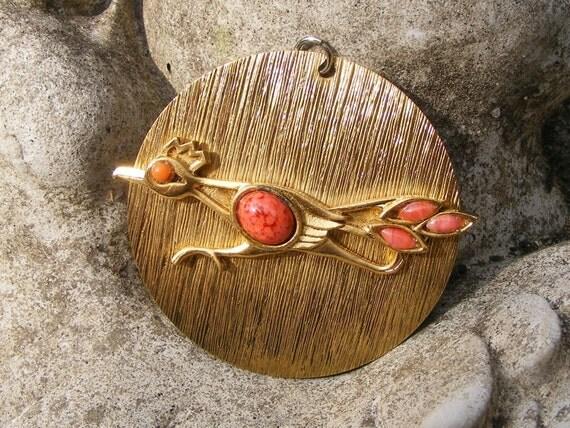 Hobe Pendant CORAL ROADRUNNER - Brushed Goldtone Necklace Large