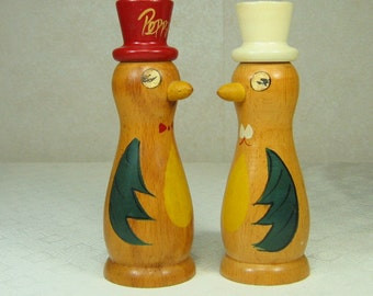 Vintage Shabby Chic Bird Salt and Pepper Shakers