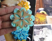 Lovely Felt Flower Anywhere Clip