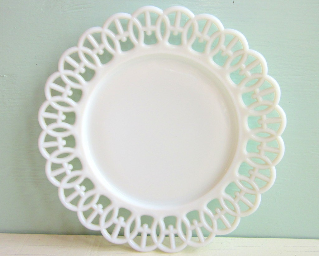 white milk glass plate Westmoreland Wicket Ribbon 9 inches