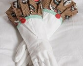Kitchen gloves Diva style to wash Dishes and clean with Cupcakes in browns red mint cream