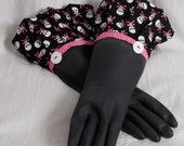Black Kitchen dish washing gloves / Diva style Retro flare to wash Dishes and clean skulls with Pink crossbones