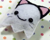 Boo kitty brooch pin