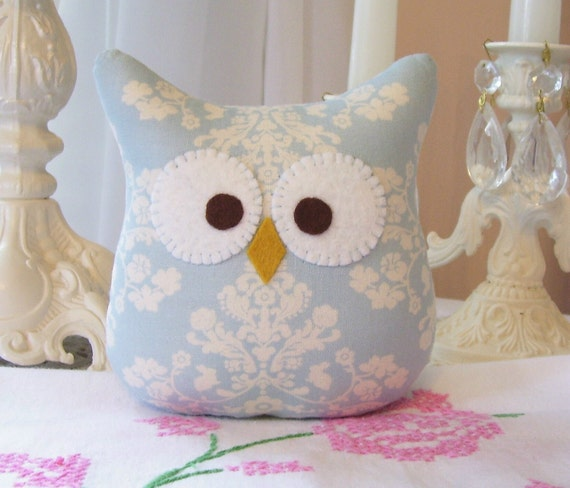 One 5 inch Owl Pillow in Blue and Cream....Lily and Will Fabric...So Cute