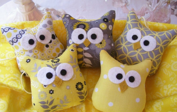 5 Darling Little Owl Ornaments .....In Yellow and Gray