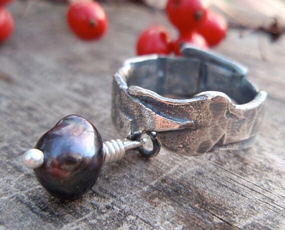 black pearl ring: reclaimed band with pearl dangle