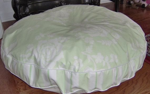 Pottery Barn Kids Eliza Green Sheeting Pet Bed for Dog or Cat