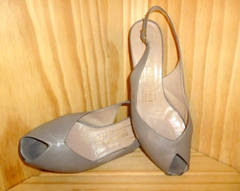 A Quick PEEP  Vintage 80's Bruno Magli Grey Leather PEEP Toe Slingback Pump shoes made in Italy (Size 6 B)